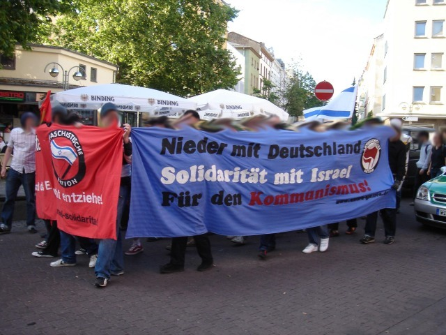 Anti-German_communist_protesters_in_Frankfurt_in_2006
