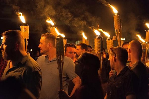 Von Charlottesville nach Spandau: Kein Fußbreit den Faschist_Innen!