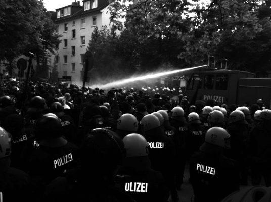 Naziaufmarsch in Hamburg – Der Staat zeigt abermals sein Gesicht