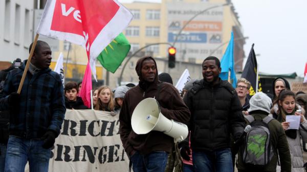 Refugee Schulstreik 24.04 : Sechs Fragen und Sechs Antworten