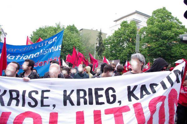 Revolutionärer  Erster Mai: Zehntausende demonstrieren trotz Polizeiprovokationen vor der SPD-Zentrale!